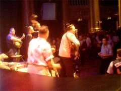 Wildfire Willie & The Ramblers spelar rock i h�gt tempo