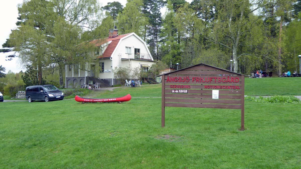 lång ledsagare liten i Upplands Väsby